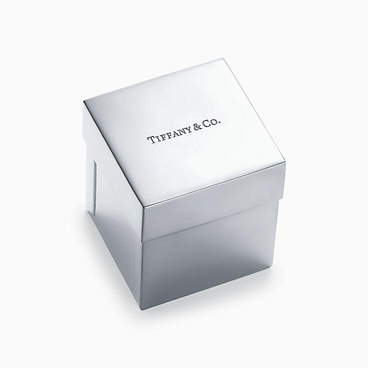 Everyday Objects 系列:纯银蒂芙尼礼盒