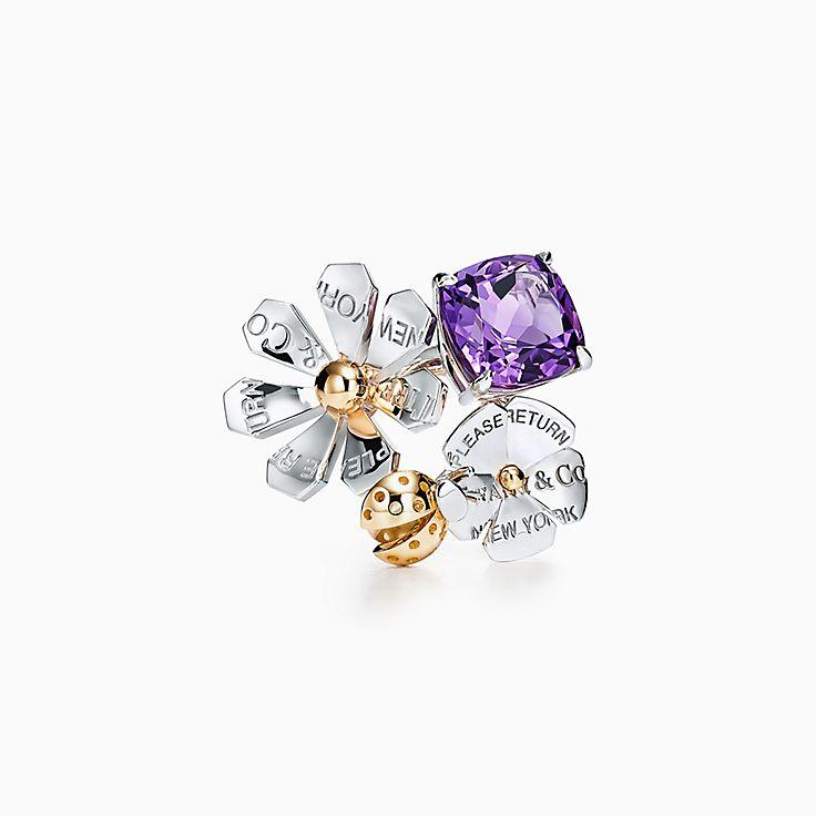 Return to Tiffany™ Love Bugs 系列:纯银和 18K 黄金镶嵌紫水晶瓢虫花朵戒指