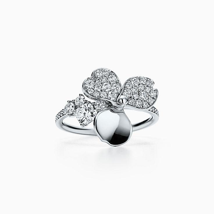 Tiffany Paper Flowers™ 花韵系列:镶钻花朵戒指