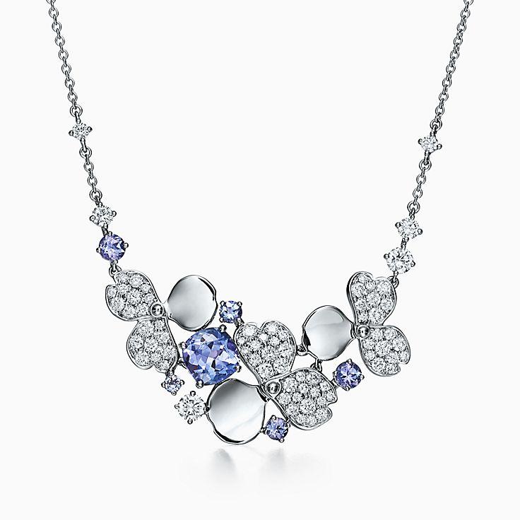 Tiffany Paper Flowers™ 花韵系列:钻石及坦桑石花簇项链