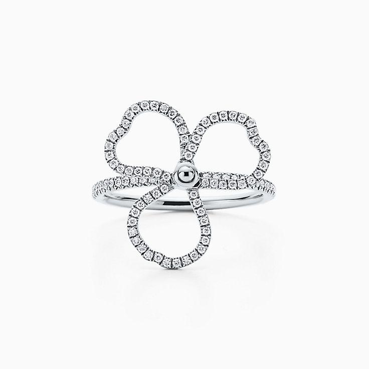 Tiffany Paper Flowers™ 花韵系列:镶钻镂空花朵戒指