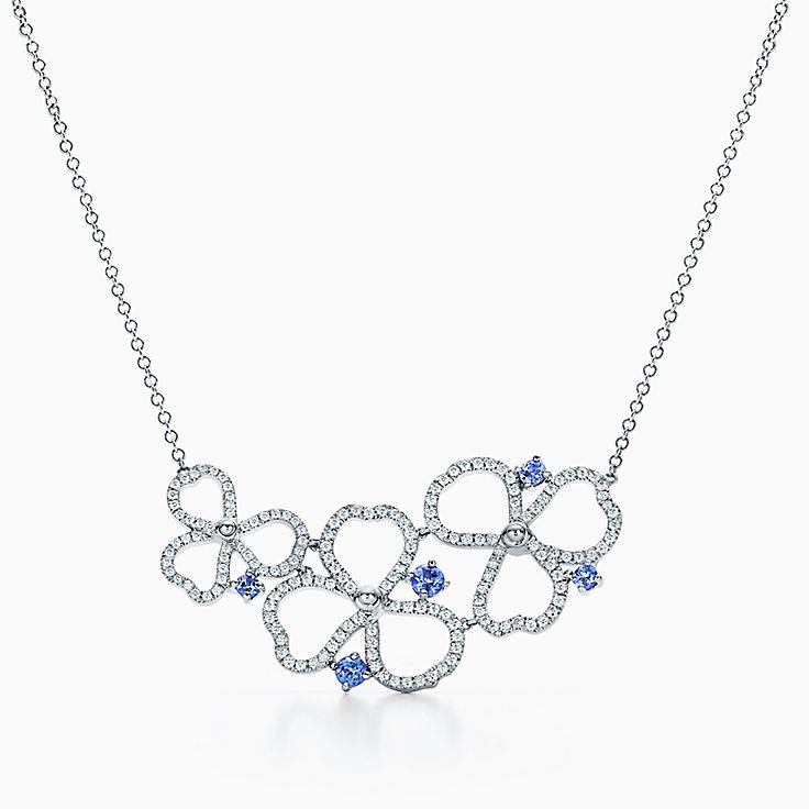 Tiffany Paper Flowers™ 花韵系列:钻石及坦桑石镂空花簇项链