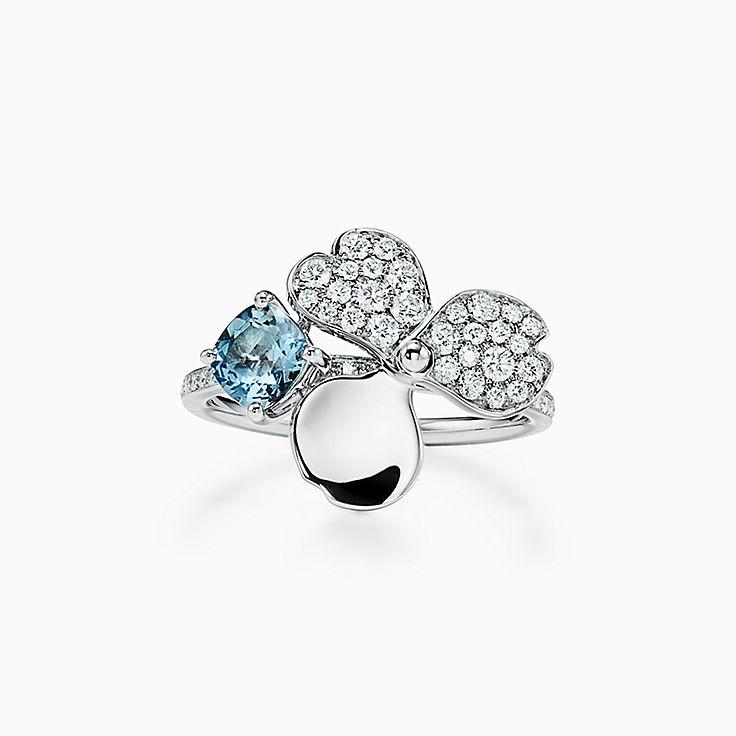 Tiffany Paper Flowers™ 花韵系列:钻石及海蓝宝石戒指