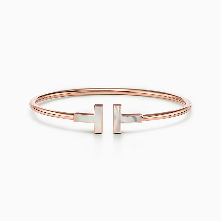 Tiffany T 系列:18K 玫瑰金镶嵌珍珠母贝线圈手镯