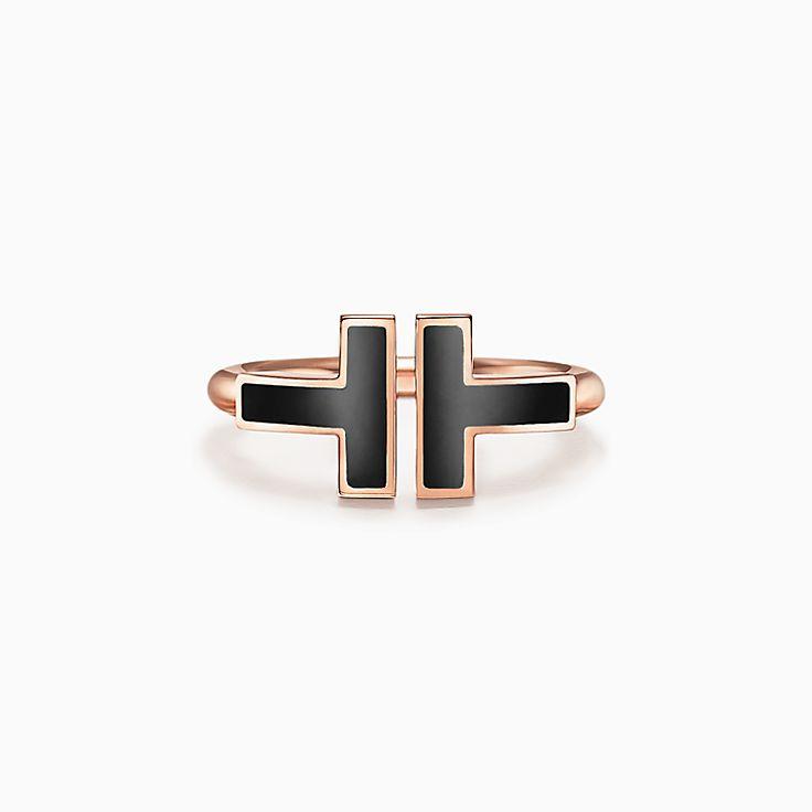 Tiffany T 系列:18K 玫瑰金镶嵌黑色缟玛瑙方形戒指