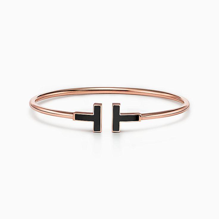 Tiffany T 系列:18K 玫瑰金镶嵌黑色缟玛瑙线圈手镯