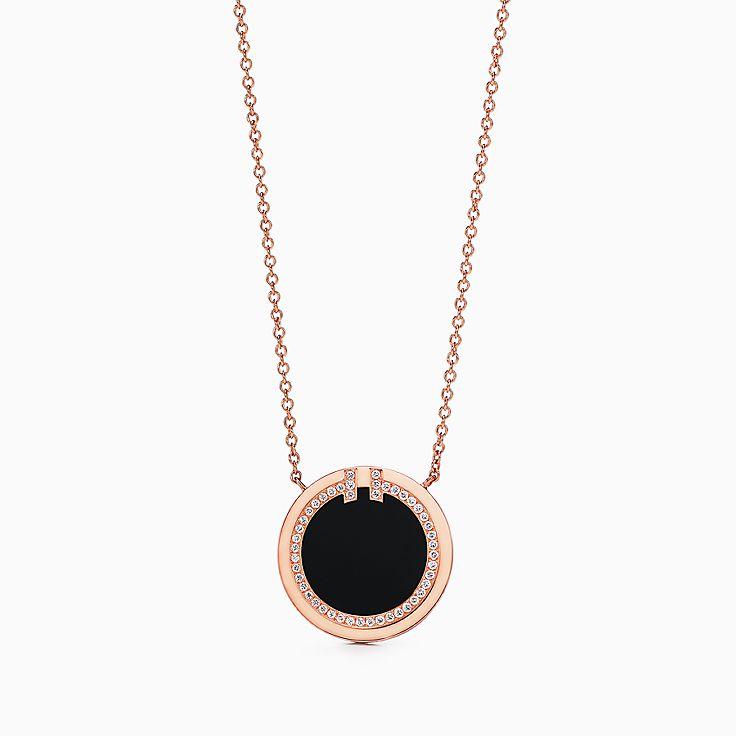 Tiffany T 系列:18K 玫瑰金镶嵌黑色缟玛瑙和钻石 T Two 圈形项链,40.6-45.7 厘米