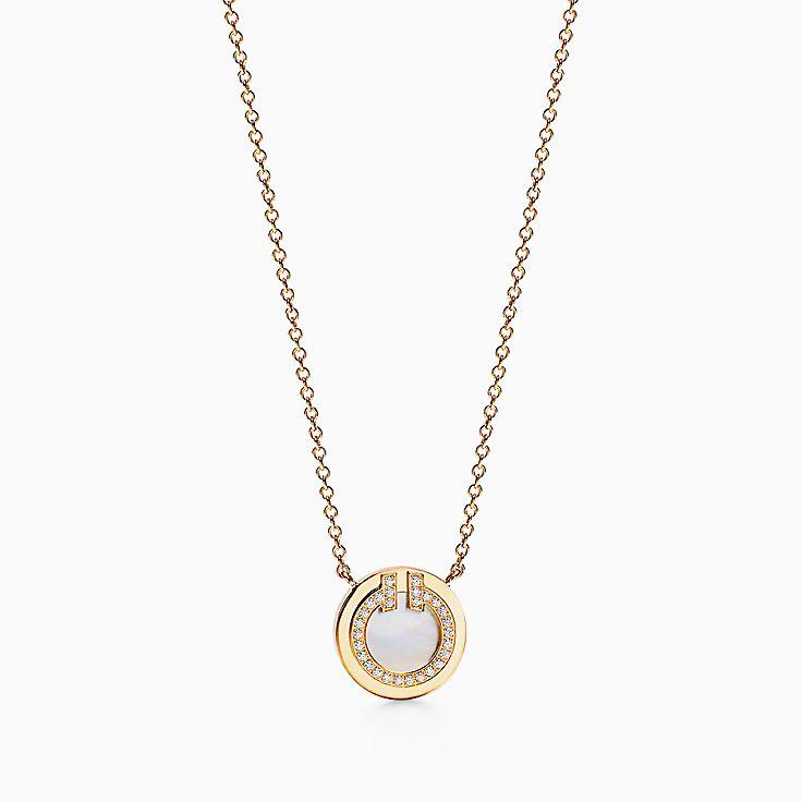 Tiffany T 系列:18K 黄金镶嵌珍珠母贝和钻石 T Two 圈形项链,40.6-45.7 厘米