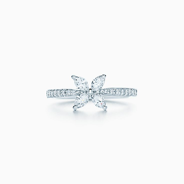 Tiffany Victoria™ 系列:戒指